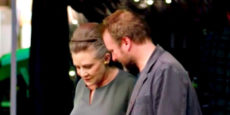 STAR WARS: LOS ÚLTIMOS JEDI set: Carrie Fisher & Rian Johnson